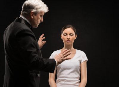 a Pessoa Hipnotizada Permanece No Controle