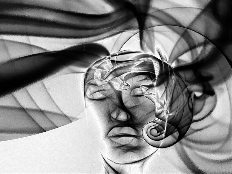 Cabeça flutuando em menção a como hipnose a muda a mente