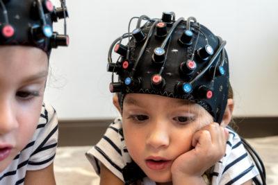 Foto de testes de mindset feitos em crianças