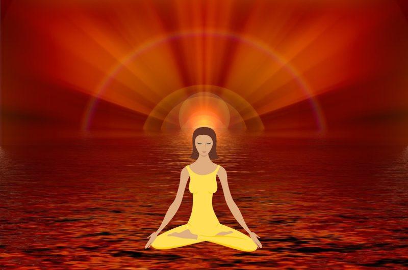mulher ativando o poder da mente sob meditação