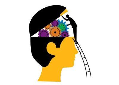 homem subindo escada, abrindo cérebro para olhar a memória por dentro